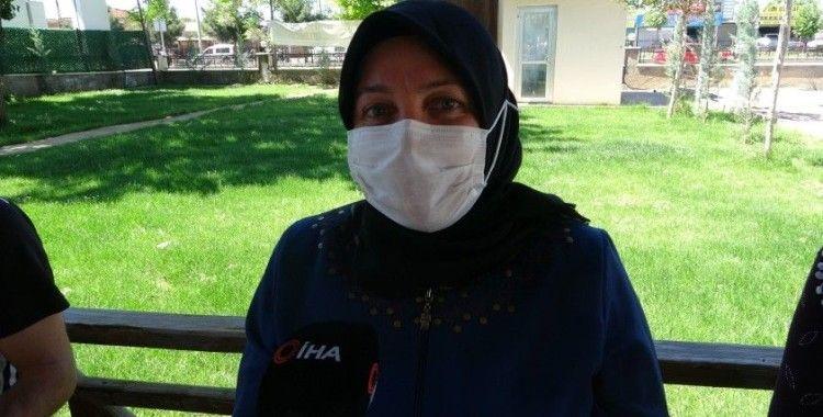 """Evlat nöbetindeki yüreği yanık anne: """"HDP'ye boyun eğmeyeceğiz"""""""