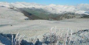 Mayıs ayında yurdun bazı bölgelerinde kar yağışı etkili oldu