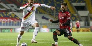 Süper Lig: Gençlerbirliği: 1 - Göztepe: 2 (İlk yarı)