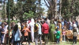 İdlib'deki Suriyeli çocukların bayram coşkusu