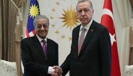 Cumhurbaşkanı Erdoğan, eski Malezya Başbakanı Muhammed ile telefonda görüştü