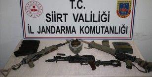 Siirt'te 3 PKK'lı teröristin etkisiz hale getirildiği bölgede silah ve mühimmat ele geçirildi