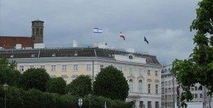 Avusturya'da tepkilere neden olan İsrail bayrakları devlet binalarından kaldırıldı