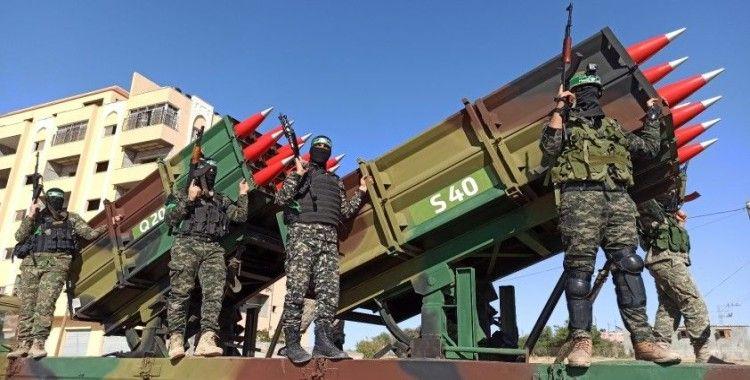 El-Kassam Tugayları, Gazze Şeridi'nde askeri geçit töreni düzenledi
