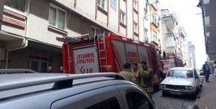 Bahçelievler'de yangın paniği: 3'ü bebek 12 kişi itfaiye merdiveniyle tahliye edildi