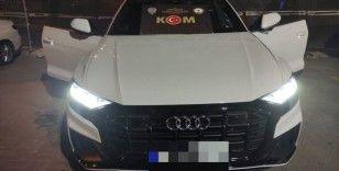 İzmir'de kaçak lüks otomobil operasyonu: 1 tutuklama