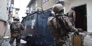 Beyoğlu'nda uyuşturucu operasyonu: Şafak vakti 30 adrese baskın yapıldı