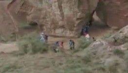 Kazakistan'daki kanyon turuna çıkan öğrenciler sele yakalandı, 2 kişi hayatını kaybetti