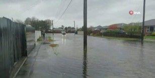 """Yeni Zelanda'da """"yüzyılda bir görülen sel"""" felaketi"""