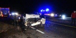 Diyarbakır'da iki otomobil kafa kafaya çarpıştı: 6 yaralı