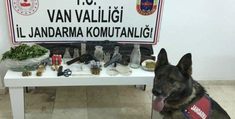 Erciş'te uyuşturucu operasyonu
