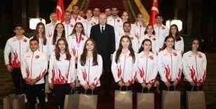 Cumhurbaşkanı Erdoğan'dan şampiyonalarda madalya alan cimnastikçilerle ilgili paylaşım