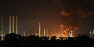İran Petrol Bakanı: Rafineride çıkan yangın üretim birimlerine zarar vermedi