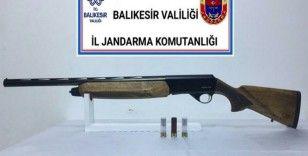 Balıkesir'de jandarmadan 9 aranan şahsa gözaltı
