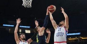 Anadolu Efes, seride 2-0 öne geçti