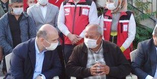 Bakan Soylu Afyonkarahisar'da şehit ailesini ziyaret etti