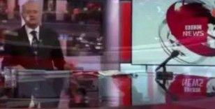 BBC spikeri haber bültenini şortla sundu