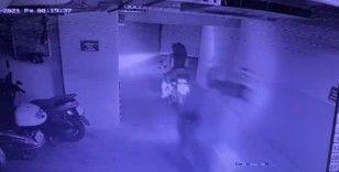 Kağıthane'de 2'si kız 4 motosiklet hırsızı kamerada