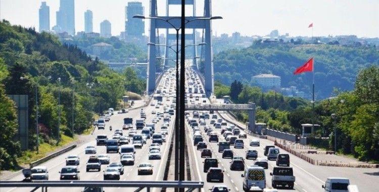 İstanbul'da kısıtlamasız ilk cumartesi gününde trafik yoğunluğu oluştu