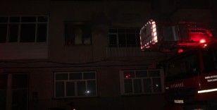 Bacayı temizlemek için benzin döktü, komşusunun evini yaktı