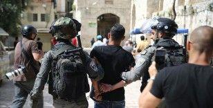 İsrail güçleri Batı Şeria ve Doğu Kudüs'te 17 Filistinliyi gözaltına aldı