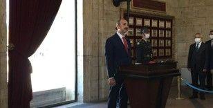 Bakan Gül ve yeni HSK üyeleri Anıtkabir'i ziyaret etti