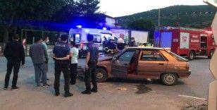 Minibüs ile otomobil çarpıştı, 2 kişi yaralandı