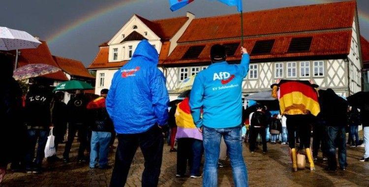Almanya'da siyasi görüşe bağlı aşı araştırması