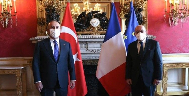 Dışişleri Bakanı Çavuşoğlu Fransız mevkidaşı Le Drian ile bir araya geldi