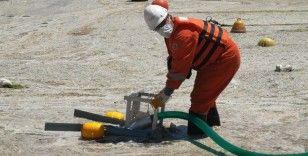Caddebostan Sahili'nde deniz salyası temizliği başladı