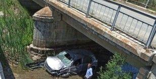 Çavdarhisar'da trafik kazası: 3 yaralı