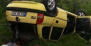 Samsun'da çarpışan otomobiller şarampole devrildi: 3 yaralı