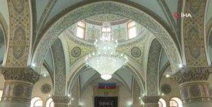 Azerbaycan'da Covid-19 nedeniyle kapatılan camiler yeniden ibadete açıldı