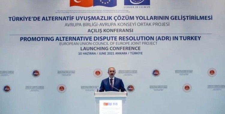 Bakan Gül: 'Paylaştığımız bütün rakamların ve istatistiklerin içinde insan vardır'