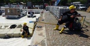Çanakkale Boğazı'nda müsilaj temizliği 4'üncü gününde devam ediyor