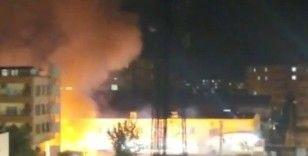 Diyarbakır'da düğün sonrası atılan hava fişekler yangına neden oldu