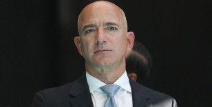 Uzay yolculuğunda Amazon'un kurucusu Bezos'un yanındaki koltuk 28 milyon dolara satıldı