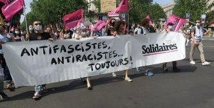"""Fransa'da aşırı sağ karşıtı """"özgürlük yürüyüşü"""""""