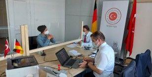 """Almanya'da """"gezici konsolosluk hizmetine"""" büyük ilgi"""