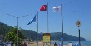 Bartın'ın İnkumu sahiline 'mavi bayrak' yerleştirildi