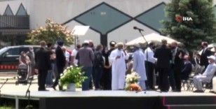 Öldürülen Müslüman aileye tören