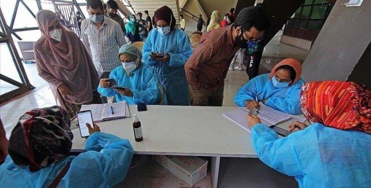 Hindistan'da Kovid-19 salgınında günlük vaka sayısı 1 Nisan'dan bu yana en düşük seviyesinde