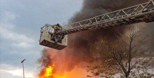 Çekmeköy'de depo yangını