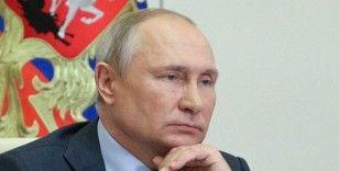 Putin, yasadışı göçmenlerin Rusya'da kalma sürelerini 30 Eylül'e kadar uzattı