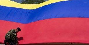 Kolombiya'da 2 bombalı araçla askeri tabura yönelik saldırıda 36 asker yaralandı