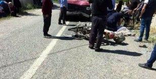 Minibüsle çarpışan motosiklet sürücüsü öldü