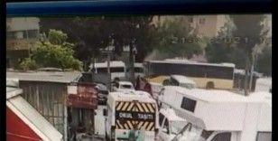 Bağcılar'da belediye otobüsü park halindeki servis araçlarına çarptı: 4 yaralı