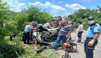 Tır, araçları biçti, 3 ölü, 3 yaralı