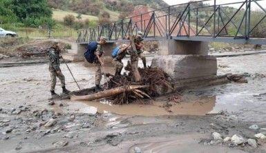 Kırgızistan'da sel, 6 ölü, 2 kayıp