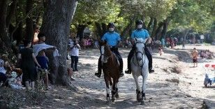 Dilek Yarımadası'nın koyları atlı jandarma timine emanet